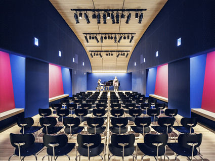 Opera-america_audition-hall-horizontal-425-xxx_q80
