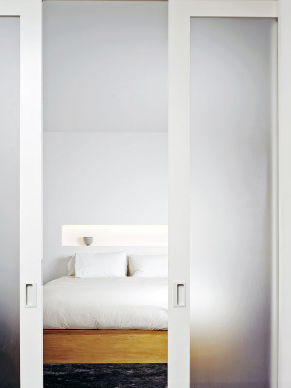 White-street-loft_bedroom-doors-600-xxx_q80