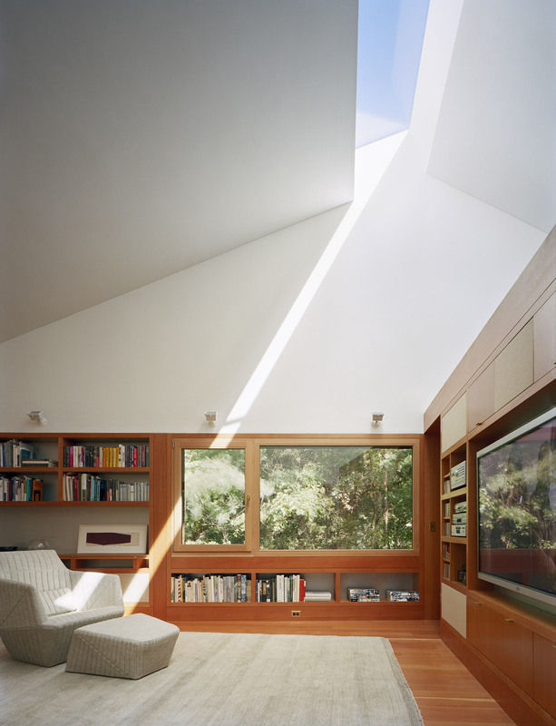 Writing-studio_skylight-613-xxx_q80