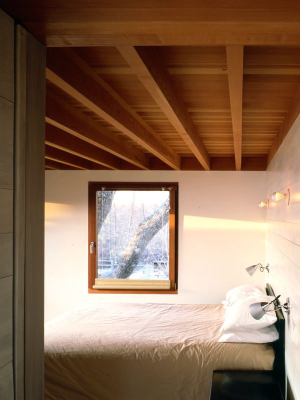 Wood-house_bedroom-600-xxx_q80